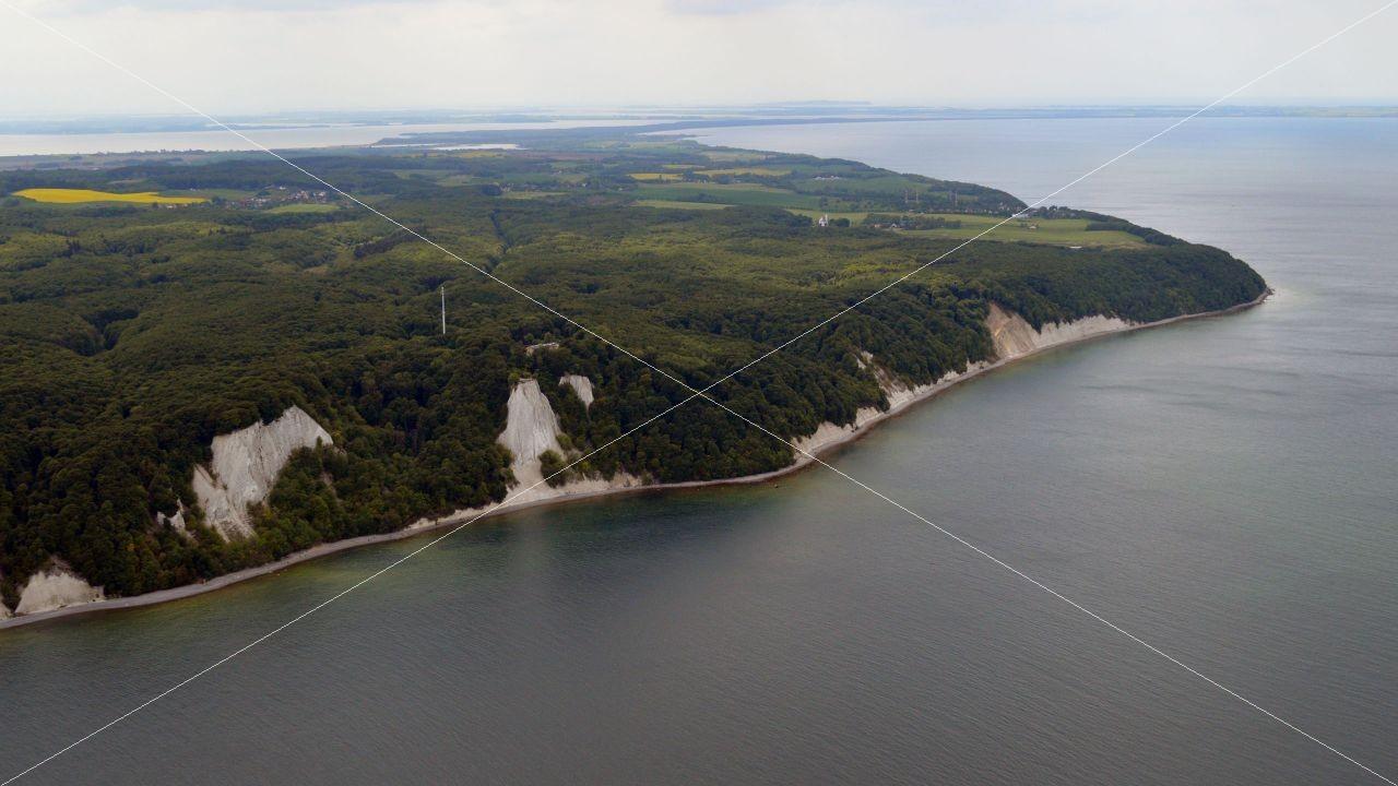 Luftaufnahme Insel Rügen - Kreidefelsen auf Rügen